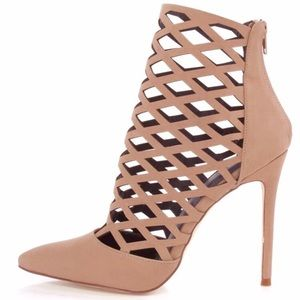 Olivia Cutout Pointy Toe Pumps